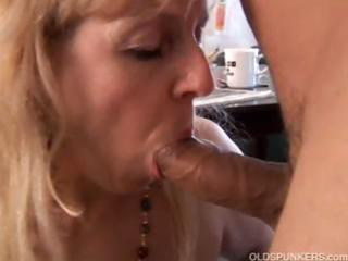 older big beautiful woman gives a great oral