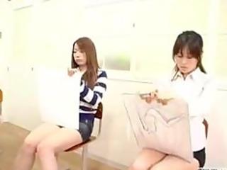 japanese naked art class has live demonstration
