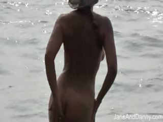 voyeur fucks hawt d like to fuck on the beach