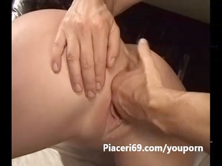 fisting vaginale a mother i italiana arrapata in