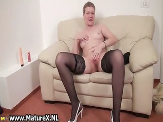 older housewive is licking large