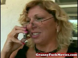 Mature amateur whore getting a facial