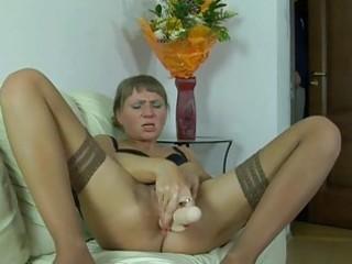 horny neighbour feeding a lusty mama