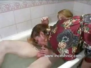 mom son having sex in baths tub