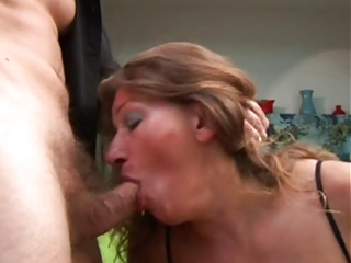aged gets her butt fucked and cum on her bumpers