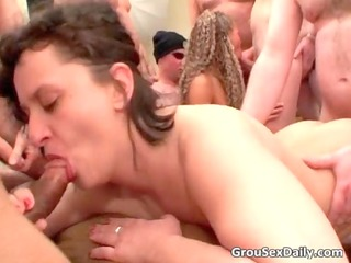 old milfs are getting pleased by small in number