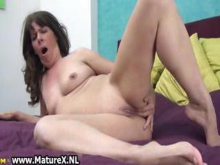 naughty aged slut fucking her own