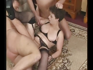 mature milf in nylons tries jocks