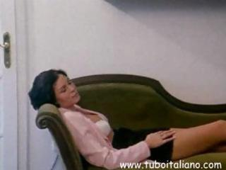 italian dark brown wife gets her snatch licked