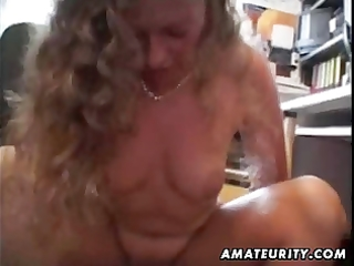 amateur wife sucks and bonks in the office