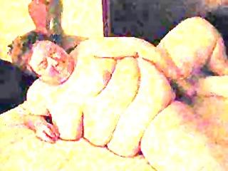 windie masturbates