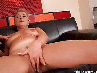 Granny Betty squirts her pussy juice in the air