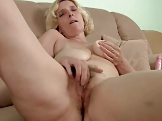 curly aged with saggy tits dildoing by troc