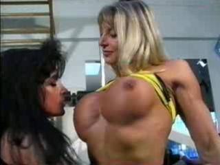 bodybuilding milfs acquire pussy friendly at the