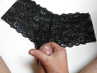 cumming on my wife hawt pantie s