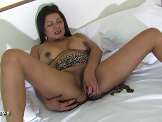 busty older mother playing with her slit