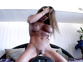 mature with consummate body riding the sybian -