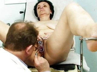 old dark brown granny gets her old twat examined