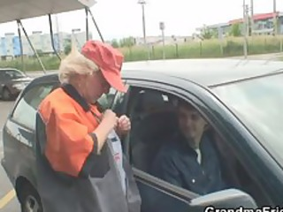 old bitch takes dicks outdoors