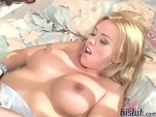 brittney is a horny d like to fuck