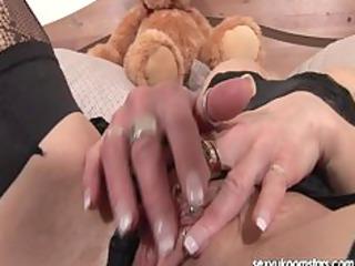 mature uk pornstar jane bond enjoys her dildo