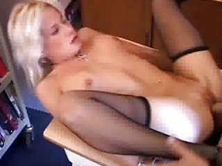 blonde mother i fucking in the classroom